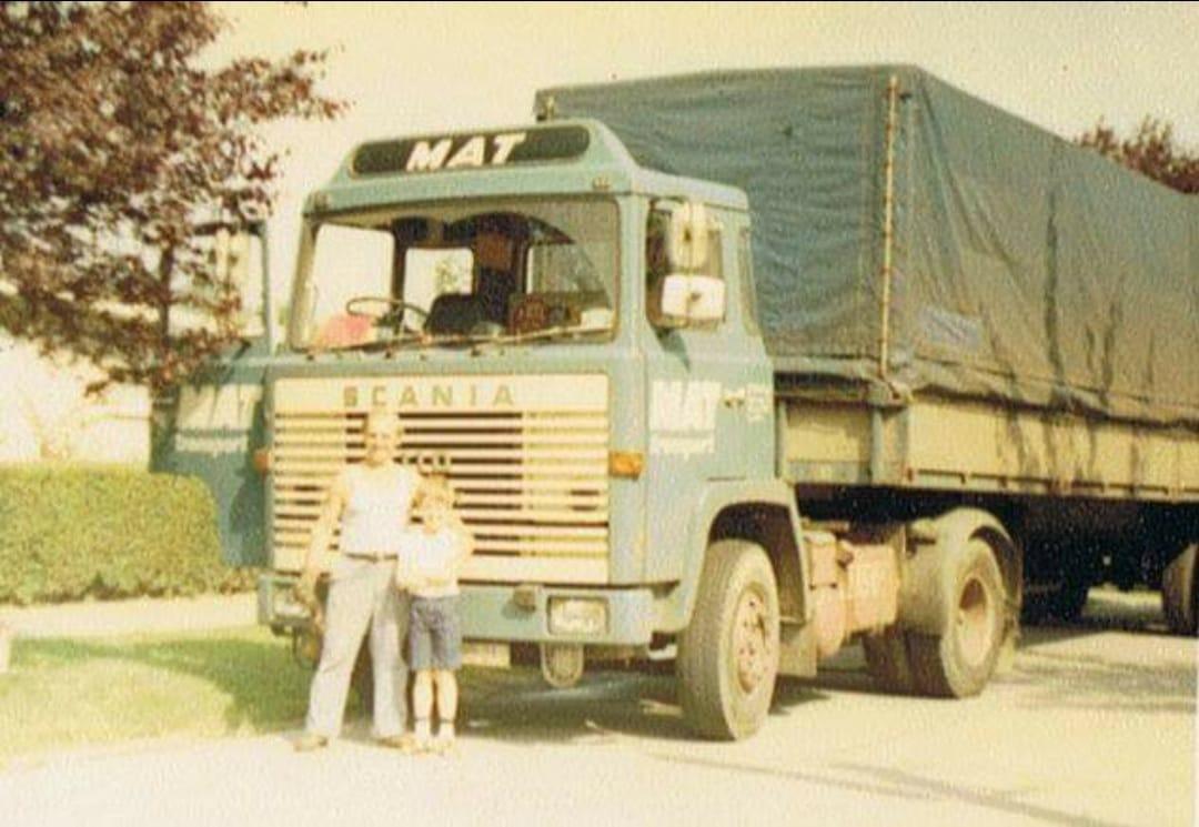Donald-Van-de-Keere-1980-samen-met-mijn-schoonvader-zonder-slaapcabine-en-stuur-aan-de-verkeerde-kant-door-heel-europa