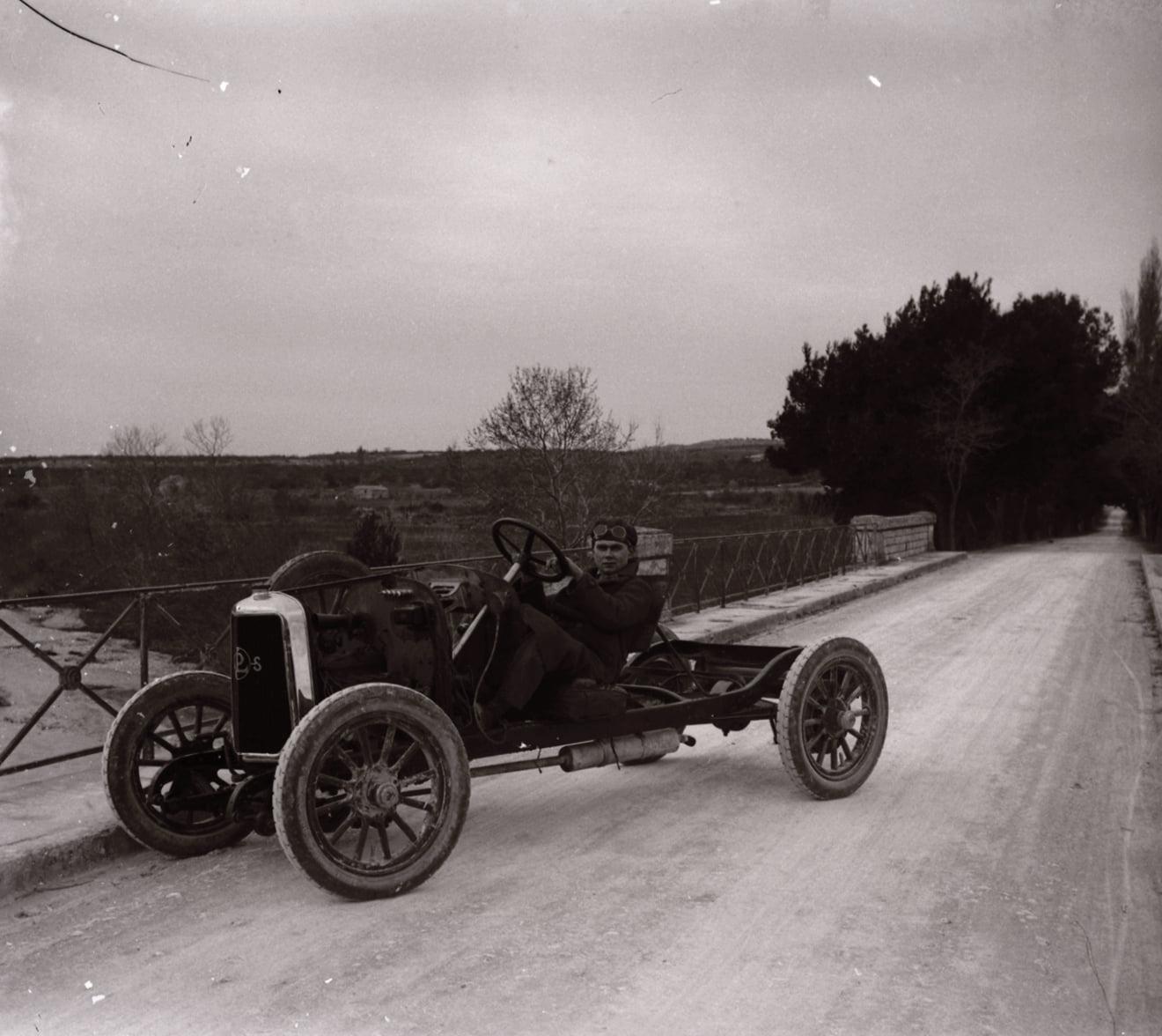 -Panhard-en-Levassor-chassis---een-10PK-uit-het-midden-van-de-jaren-1920-(1)