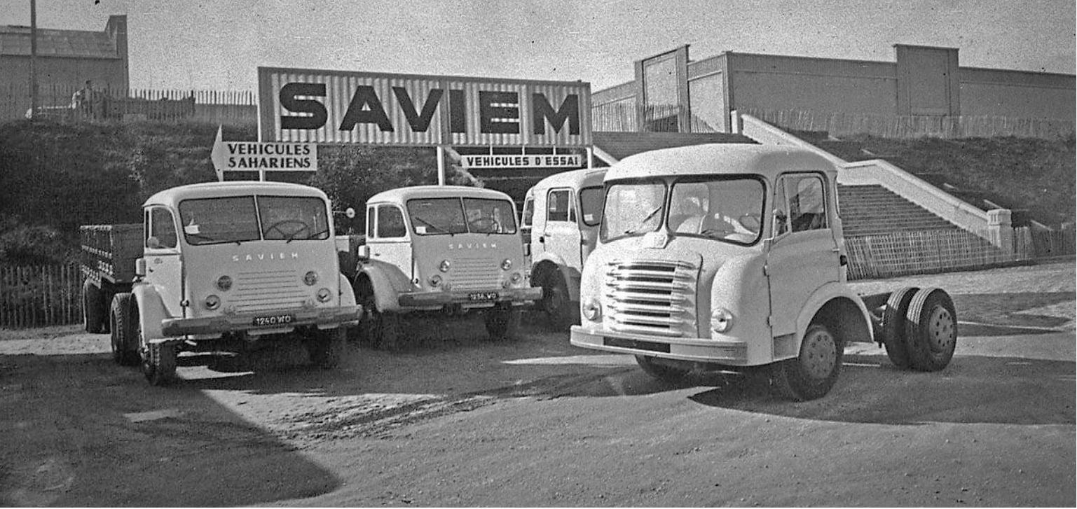 Saviem-salon-de-Paris-1957-