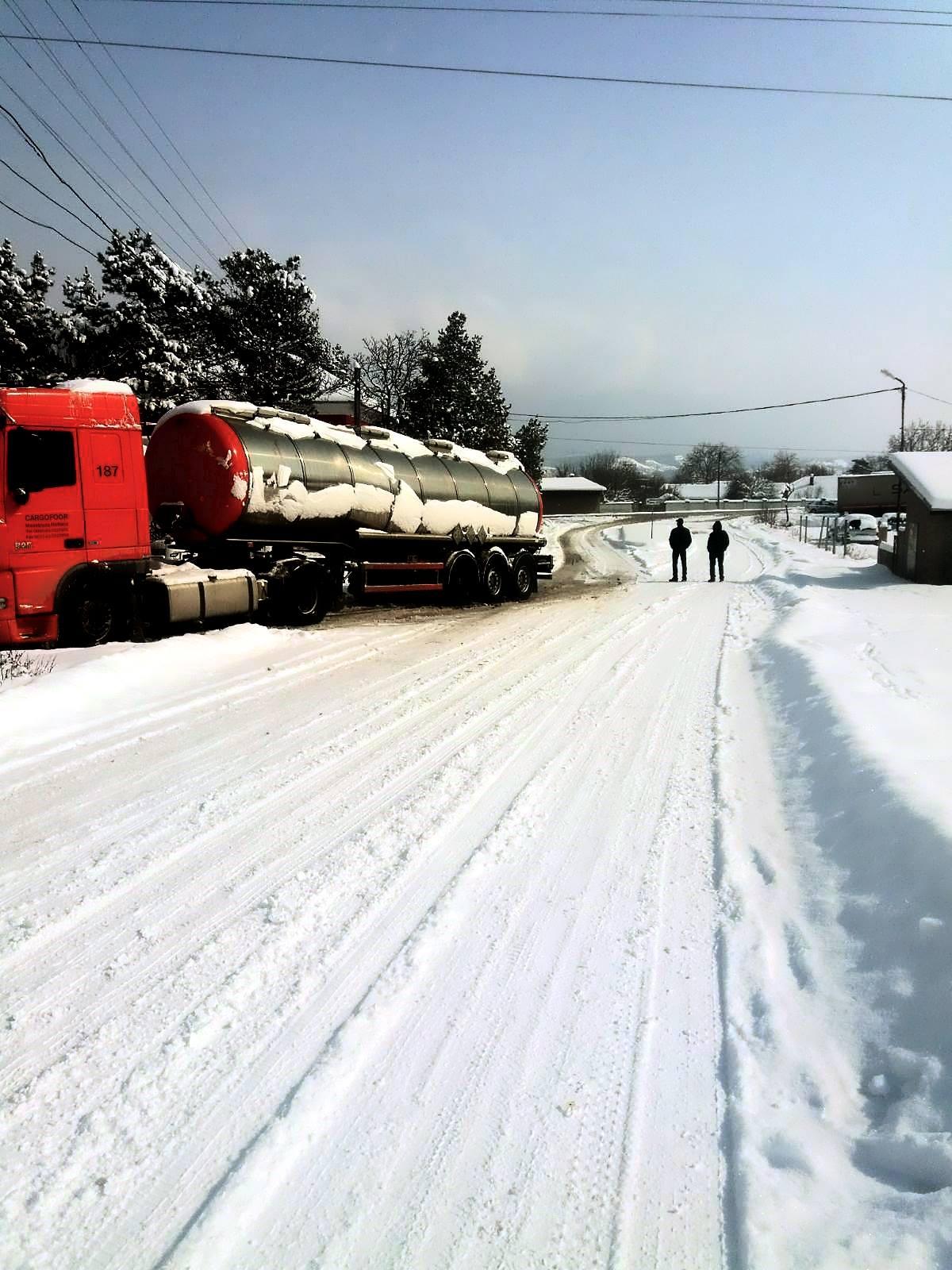 Daf-187-Sneeuw-en-kou-in-de-Balkan--Respect-voor-onze-jongens--