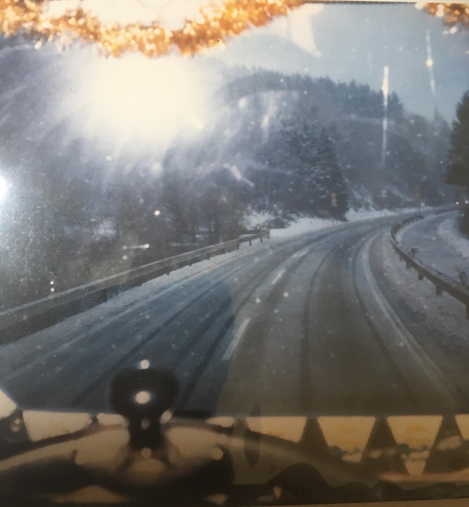 Binnendoor-naar-Attendorn-in-Sauerland--Zo-te-zien-aan-de-slingers-in-kersttijd