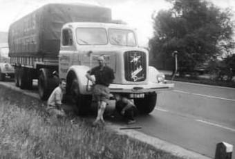 Henschel-met-chauffeur-Schreurs-Sjaak-Schreurs-archief