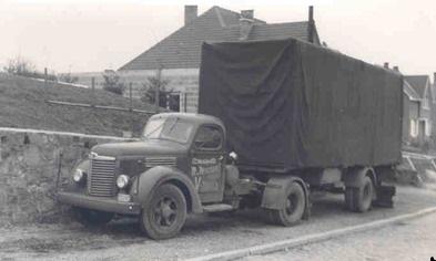 International-van-transport-Nicolas---Falise--1955-