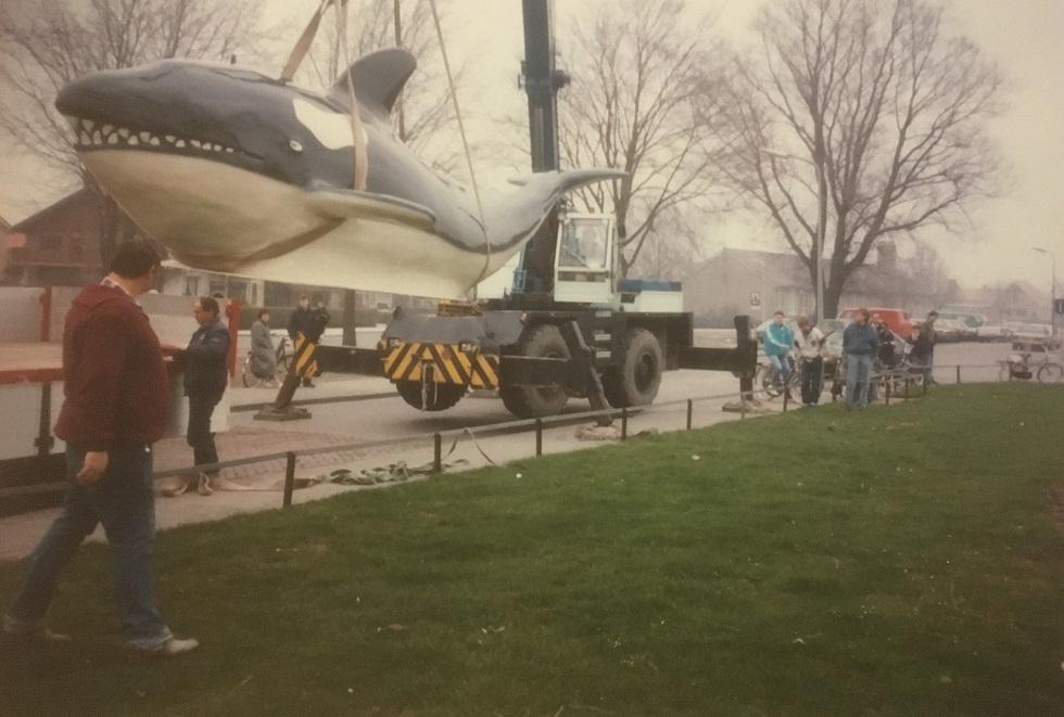 MB--Nieuwe-orca-op-Urk-geplaatst-bij-de-dorpsingang-1-