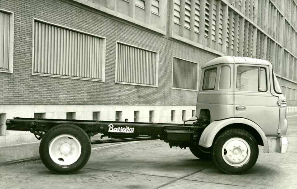 Barreiros-Saeta-CA-162-1962--83-CV-motor-A16