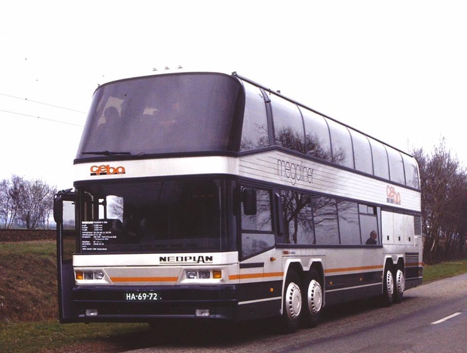 bus-400-eerste-15-mtr-wagen-in-Nederland-1993-Bouwjaar-1992--Type--Neoplan-N1284-Megaliner--Vinnummer-WAG401282PSP19750-(4)