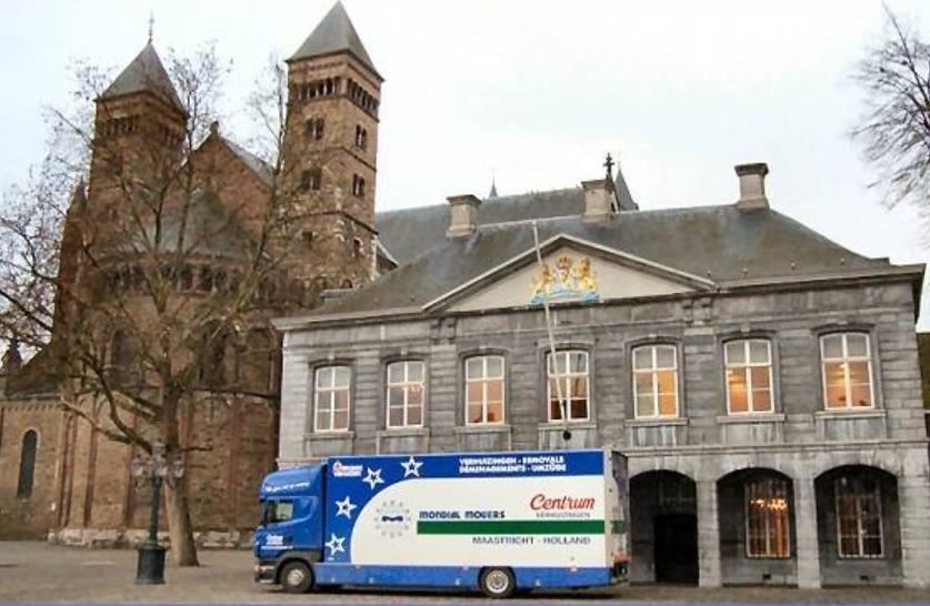 Scania-op-het-Vrijthof-in-Maastricht