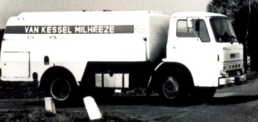 Ford-met-bras-Winterswijk-op-bouw-7500-liter-in-houd