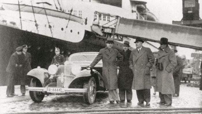 MB-Benz-500-K-van-Rudi-Caracciola-een-van-de-meest-waardevolle-mercdes-die-in-een-schuur-stond--in-Los-Angeles-tot-2012-(2)