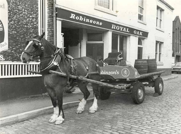 UK-Horse-transport-Richard-Anthony-Dickinsons-archive-(1)