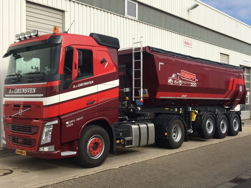 Volvo-met-Kempf-trailer-(1)