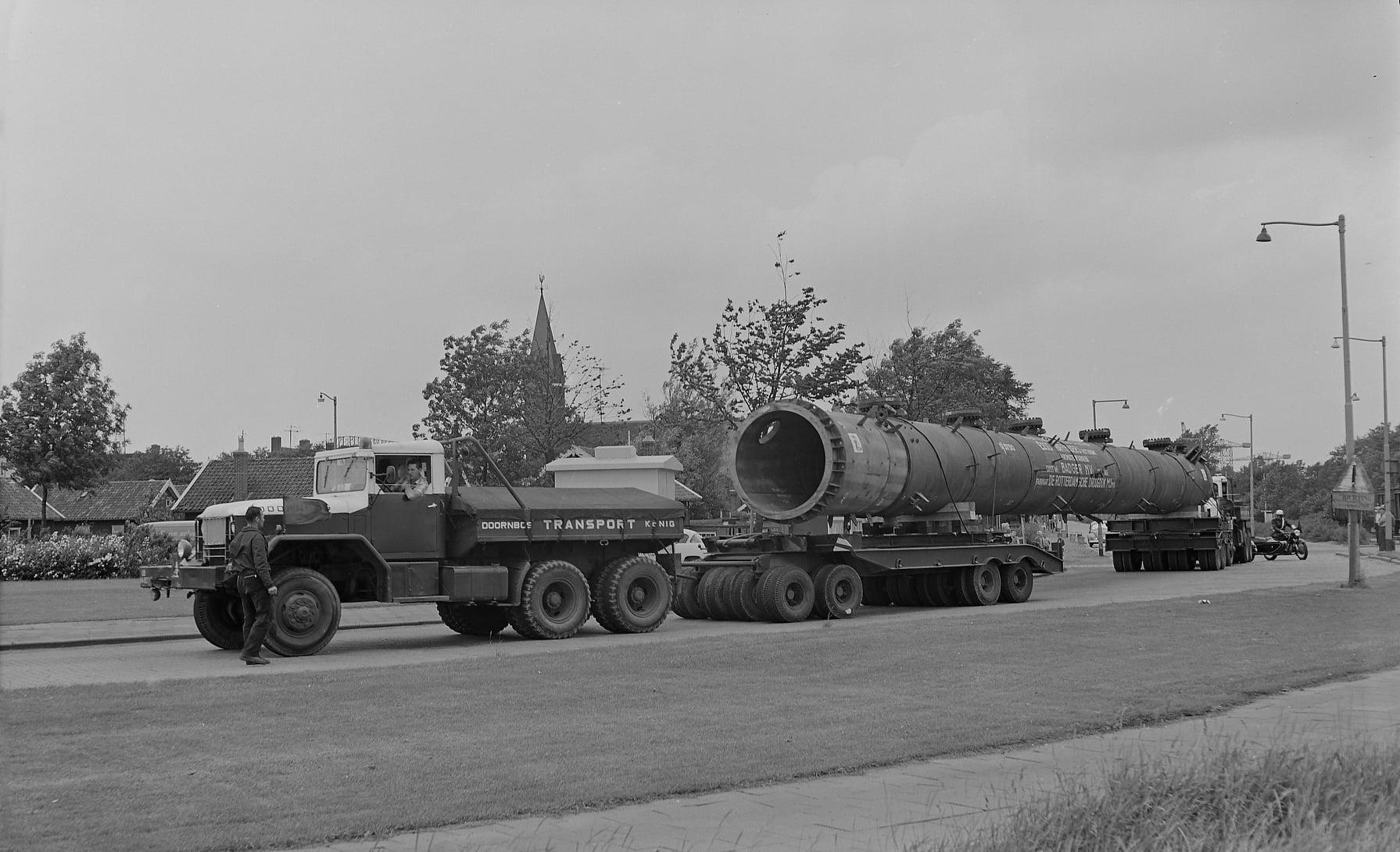 Willem-Rouw--1963-Rotterdam-Tuindorp-Heijplaat-Doornbos--