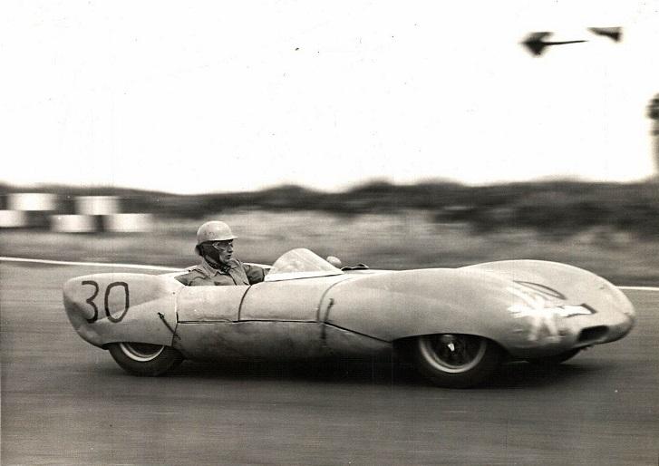 Classic-Racing-car-(1)