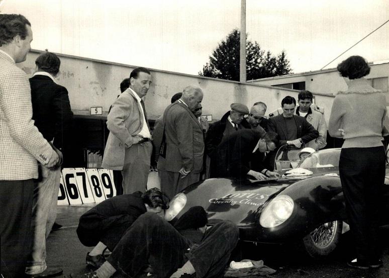 Classic-Racing-car-(2)