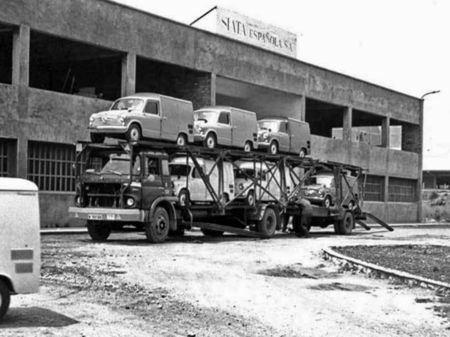 Barreiros-vrachtwagen-geladen-van-Formichetta--Tarragona-1964