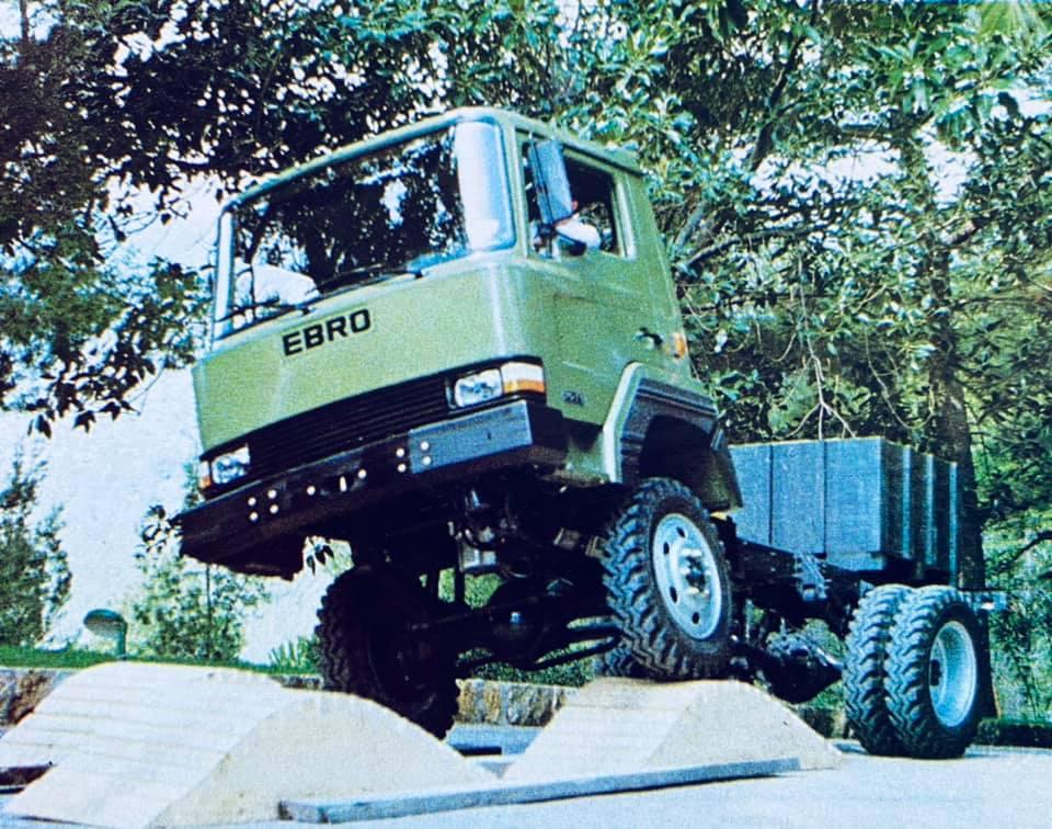 Ebro-70-TT--4x4-motor-Perkins-de-75-cv--1980