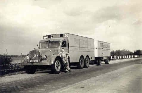 MACK-NR--met-de-eerste-eigen-diesel-motor-met-het-befaamde-Lanova-inspuit-verbrandingssysteem--lage-druk-diesel-die-moet-je-heel-goed-warm-draaien-en-op-temperatuur-houden,-anders-trekt-