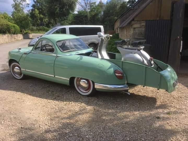 Panhard-Dyba-1953-1959-4-deurs-nu-een-schuifbed--(2)