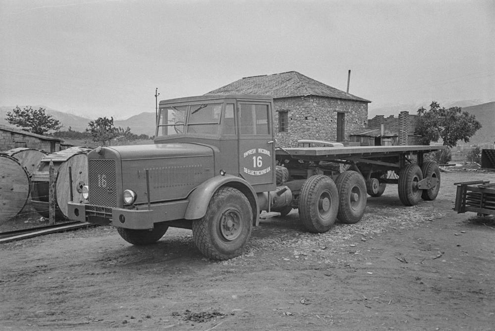 Thornycroft-Amazon-Truck-6-ton-6-x-4--Vermogen-106-PK-Nationaal-Elektriciteitsbedrijf-S-A-1948-(1)