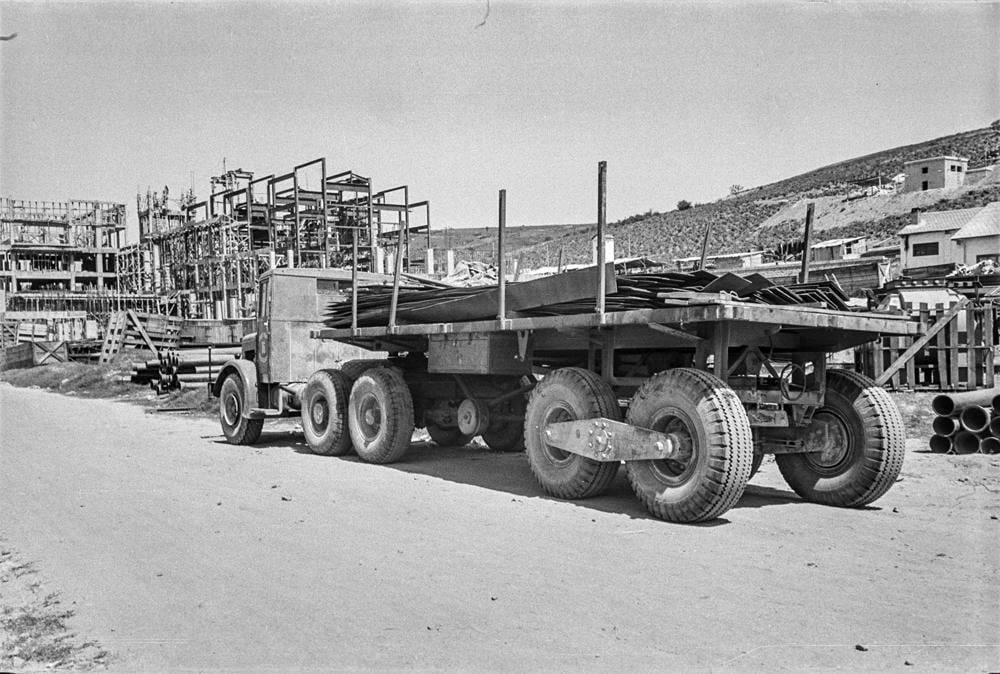 Thornycroft-Amazon-Truck-6-ton-6-x-4--Vermogen-106-PK-Nationaal-Elektriciteitsbedrijf-S-A-1948-(4)