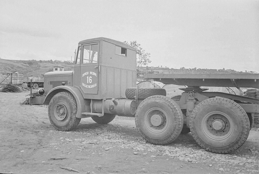 Thornycroft-Amazon-Truck-6-ton-6-x-4--Vermogen-106-PK-Nationaal-Elektriciteitsbedrijf-S-A-1948-(5)