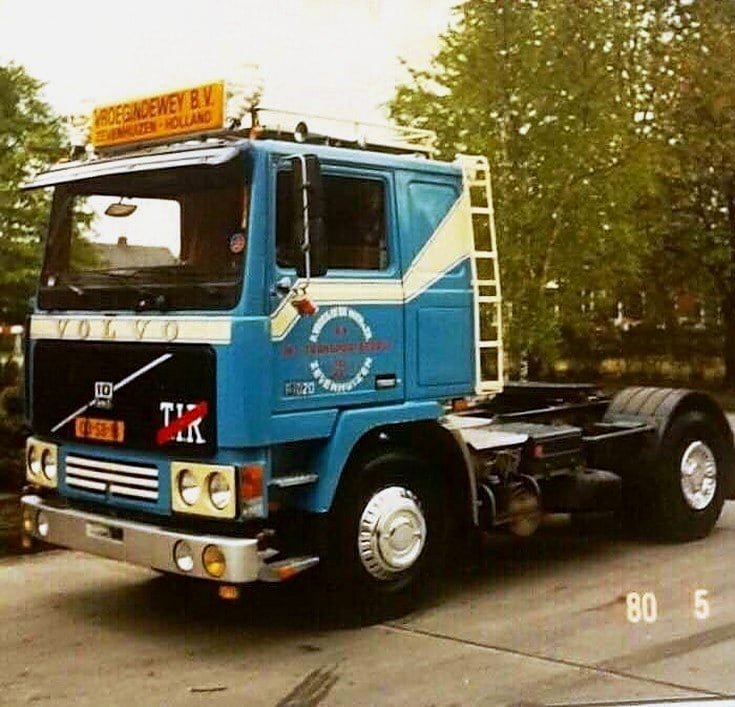 Volvo-F10-in-kleur-opdracht-gever
