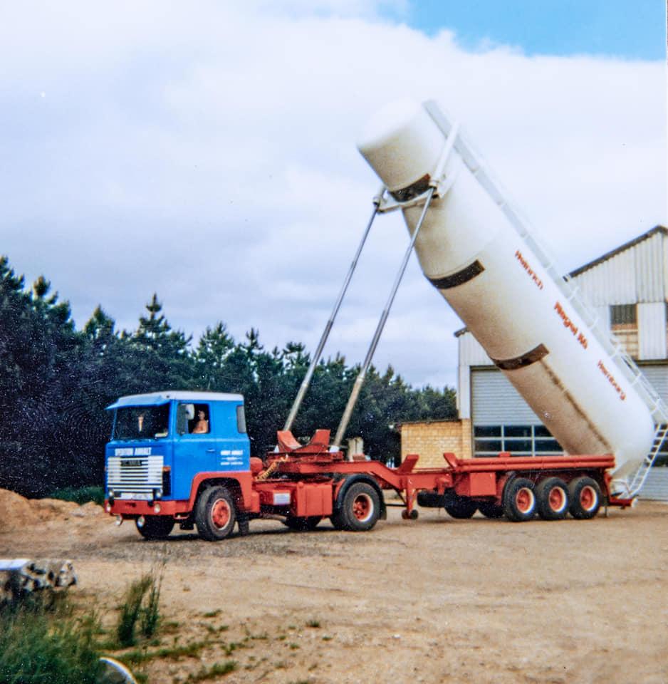 Scania-LB-111-1979-der-eerste-trekker