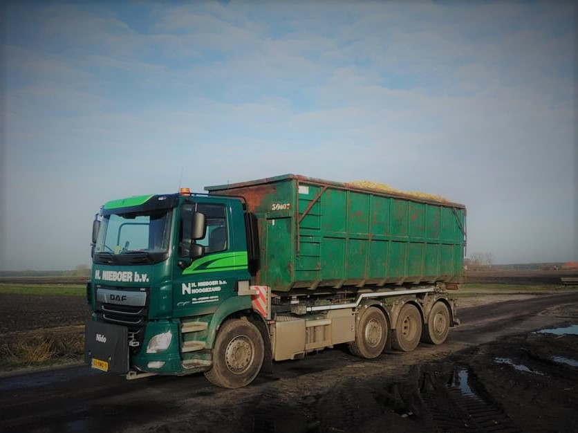 Container-transport-(1)