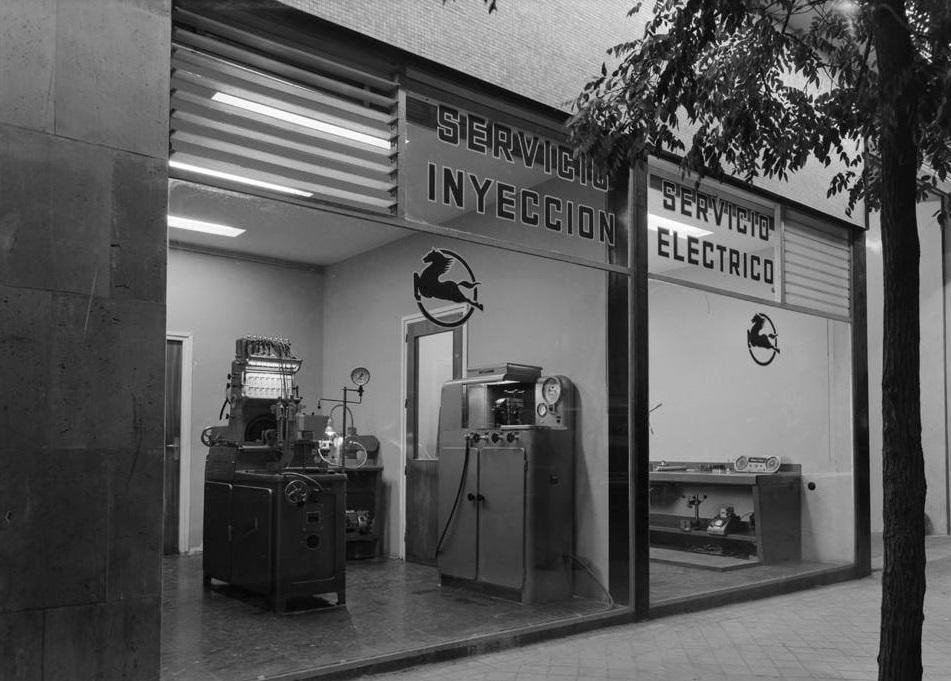 Pegaso-Dealer-1963--(2)