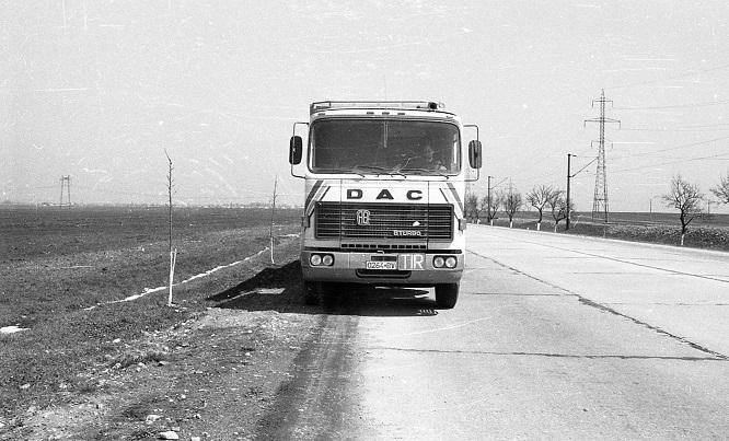 DAC-Diesel-Auto-Camion-32-320-DFS-(1)