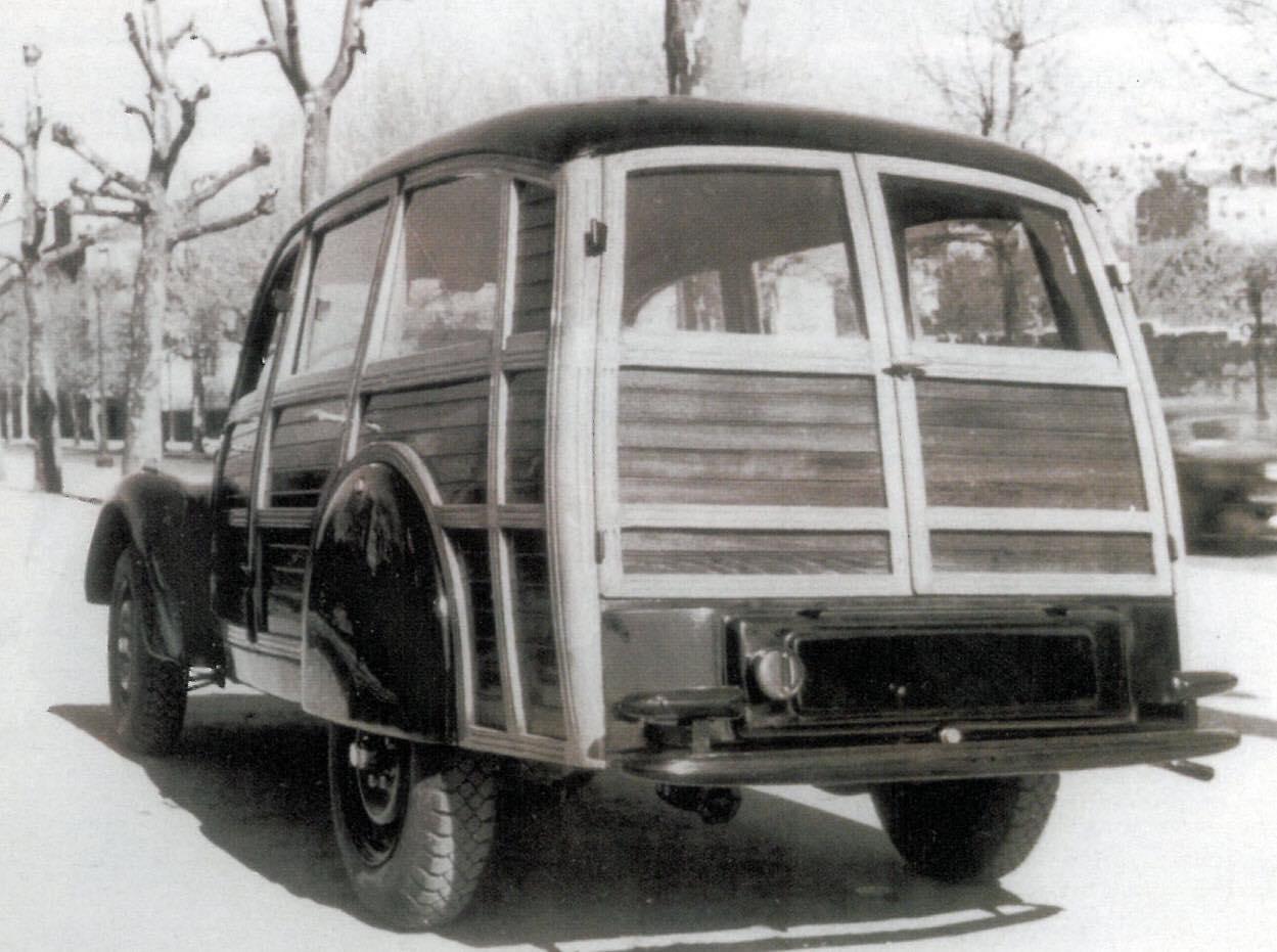 Peugeot-202-wagon