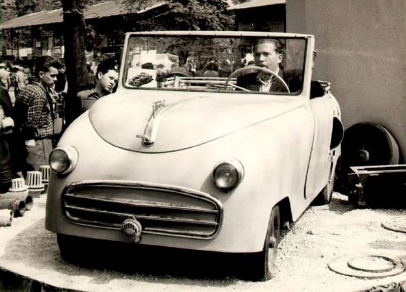 Uttoro-1954--Hungary