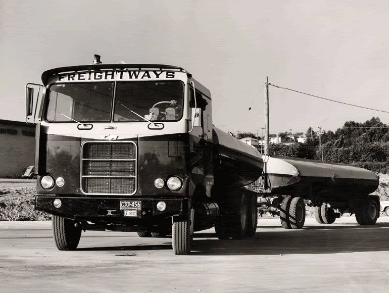 Kenworth-Cab-1956-Manel-Maseras-11