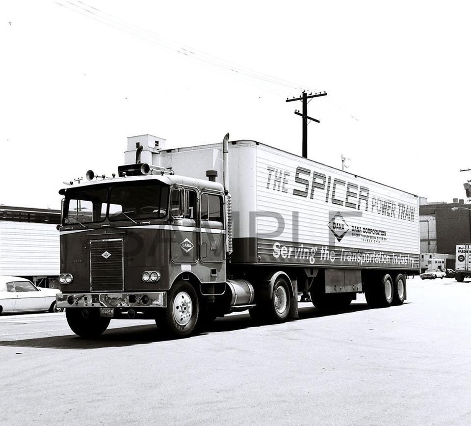 Kenworth-Cab-1956-Manel-Maseras-3