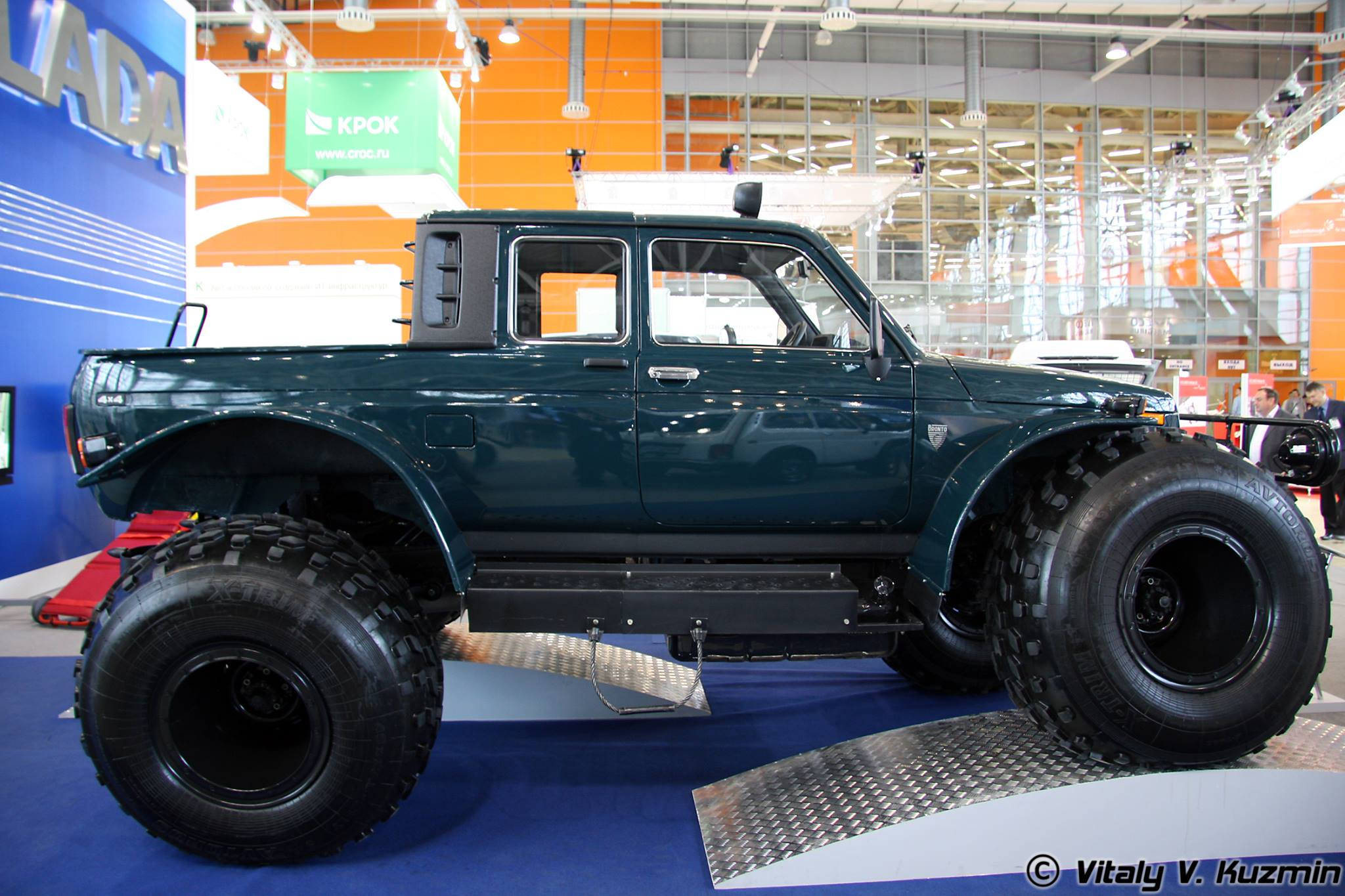 LADA-Marsh-4x4-Amphibious-Pickup-1[1]
