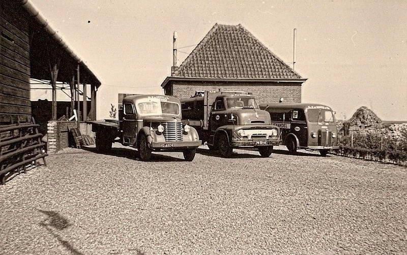 Fa-de-Korte-Oude-Tonge-1955-Diamond--Ford-en-chenard-Walker