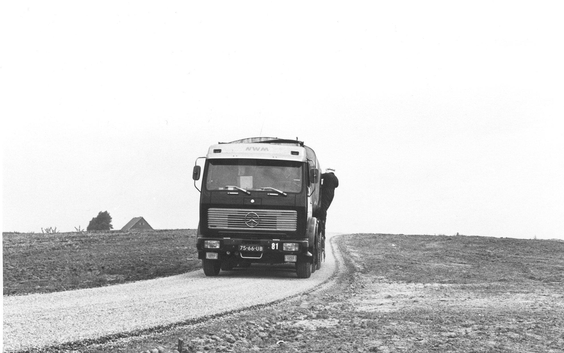 M81-06