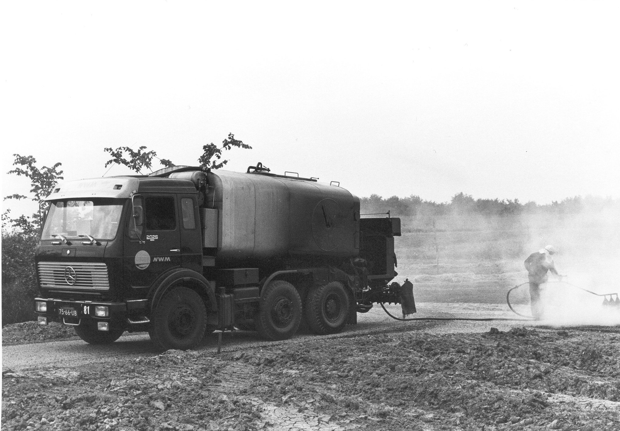 M81-22