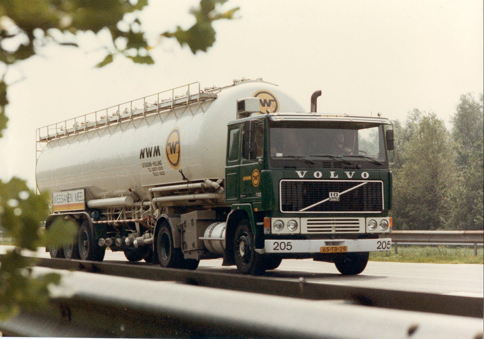 1982-Augstus