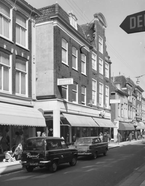 1963-Leiden-Haarlemmerstraat