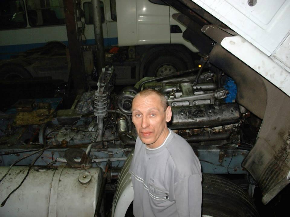 108--Installatie-van-een-russische-motor-uit-oeral-in-een-volvo-f1220
