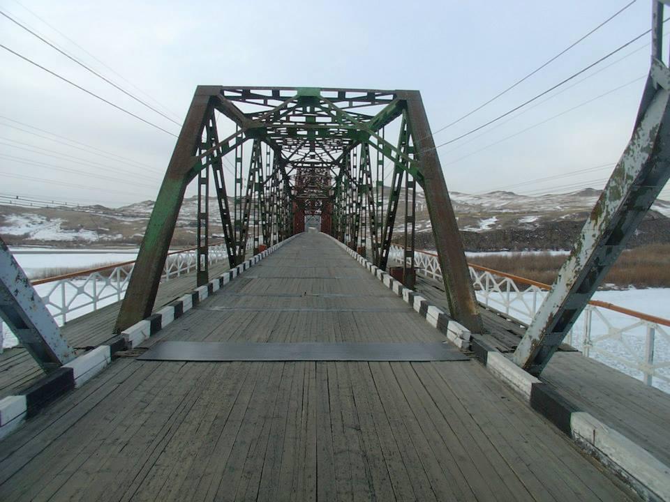 126--deze-brug-is-ingestort-sinds-en-is-vervangen