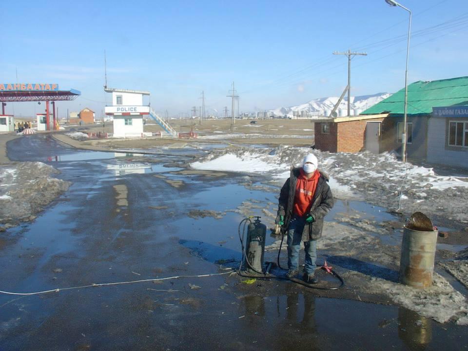 145--ontsmetten-bij-aankomst-in-mongolie-bator