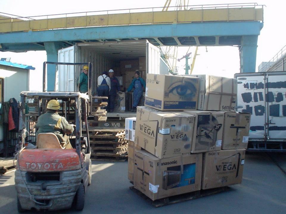 282-Lossen-bij-de-russische-douane---begin-van-een-heel-lang-wachten