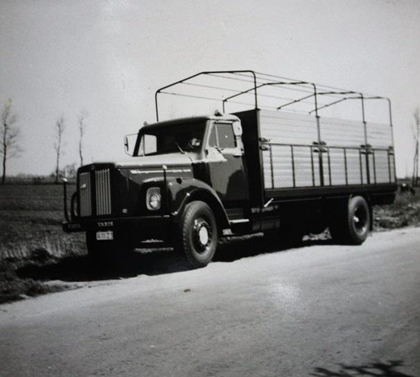 Scania-Vabis-in-aanbouw-bij-Rondaan-in-Beetgum-voor-Int.-Transportbedrijf-Althuisius-uit-Tzummarum-1