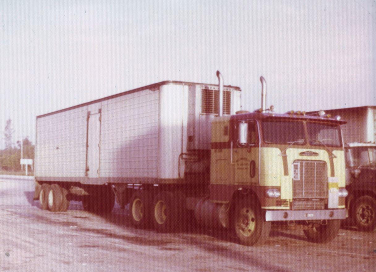 TT-trucking-outta-Miami-always-in-Dakota-city-Nebraska-PBX-2