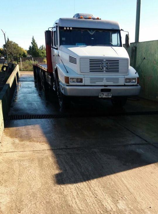Mercedes-Truck-2