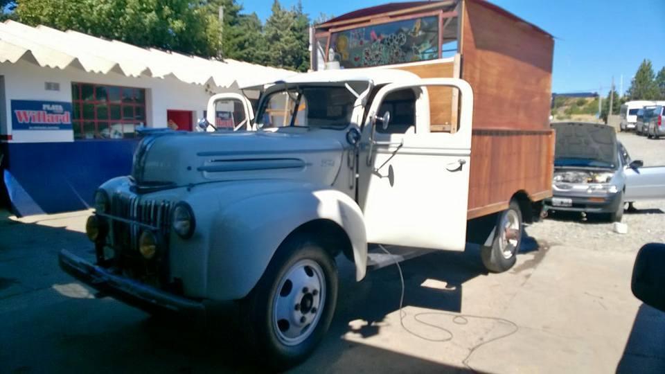 Ford-51-gentileza-del-amigo-emilio-de-San-Carlos-de-Bariloche-Quilmes-Argentinia-1