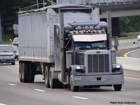Peterbilt_Truck-10