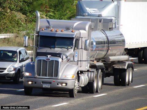 Peterbilt_Truck-15